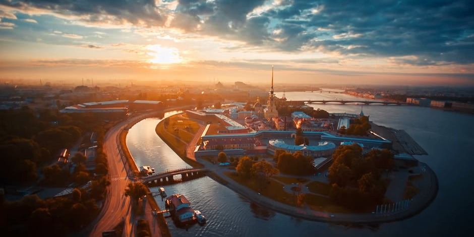Nice aerial video of Saint Petersburg by Timelab Pro