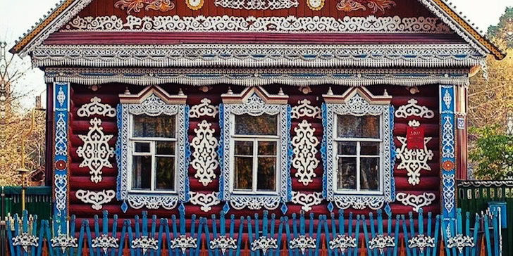 Traditional Russia: Fabulous hand-carved wooden window frames