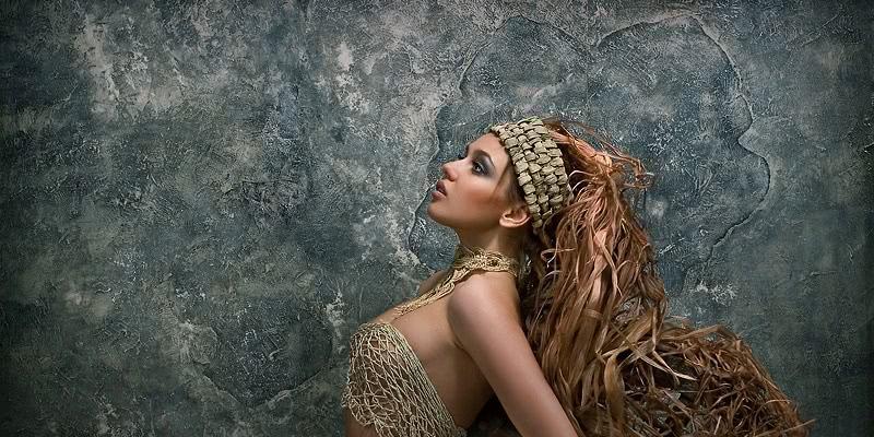 Candid women by Russian photographer Sergey Litovkin