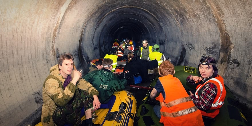 Russian rafting style: How guys have fun under the ground