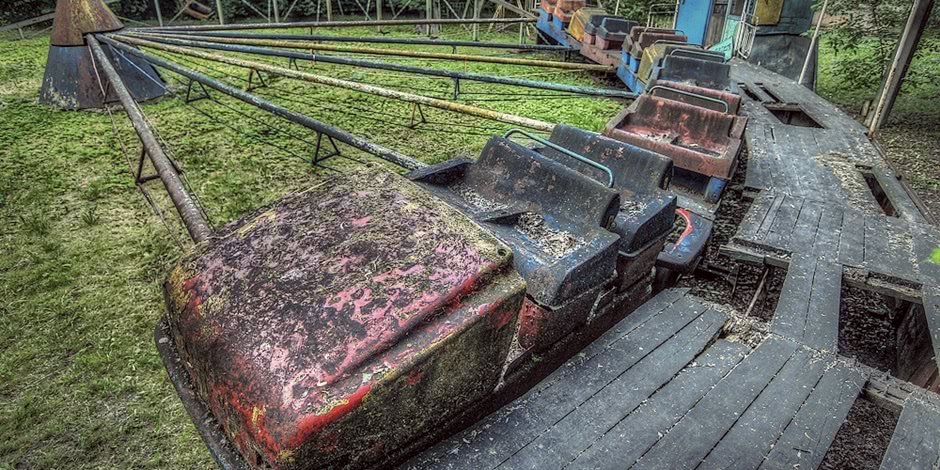 Lost childhood: Abandoned amusement park in Saint Petersburg