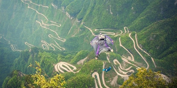 Photo of Russian BASE jumping: Flying from the Avatar mountains in China