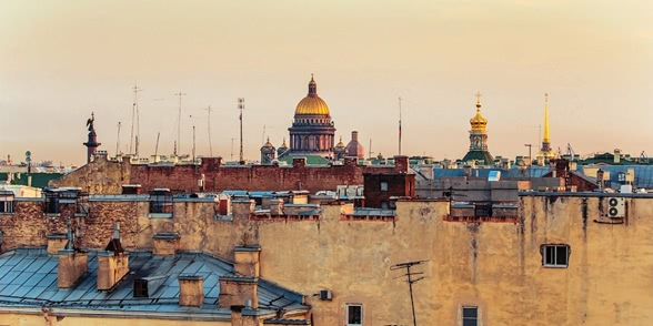 Above the city: Walking on the roofs in Saint Petersburg