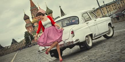 In retro style: Photo-shoots with Russian beauties and Soviet cars