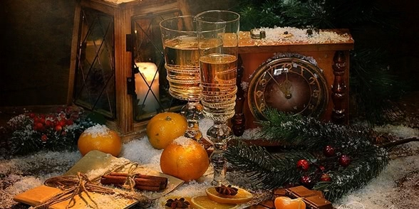 Bright new-year still lifes with Russian soul by Marina Volodko
